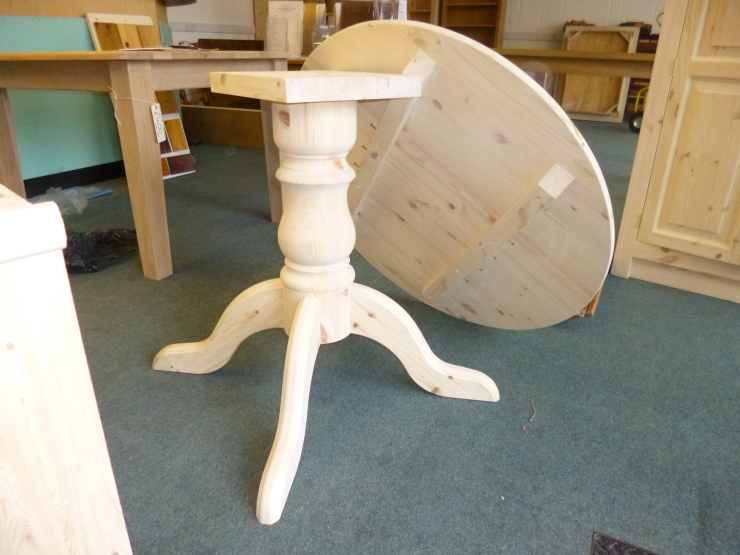 Round Single Ped. Table